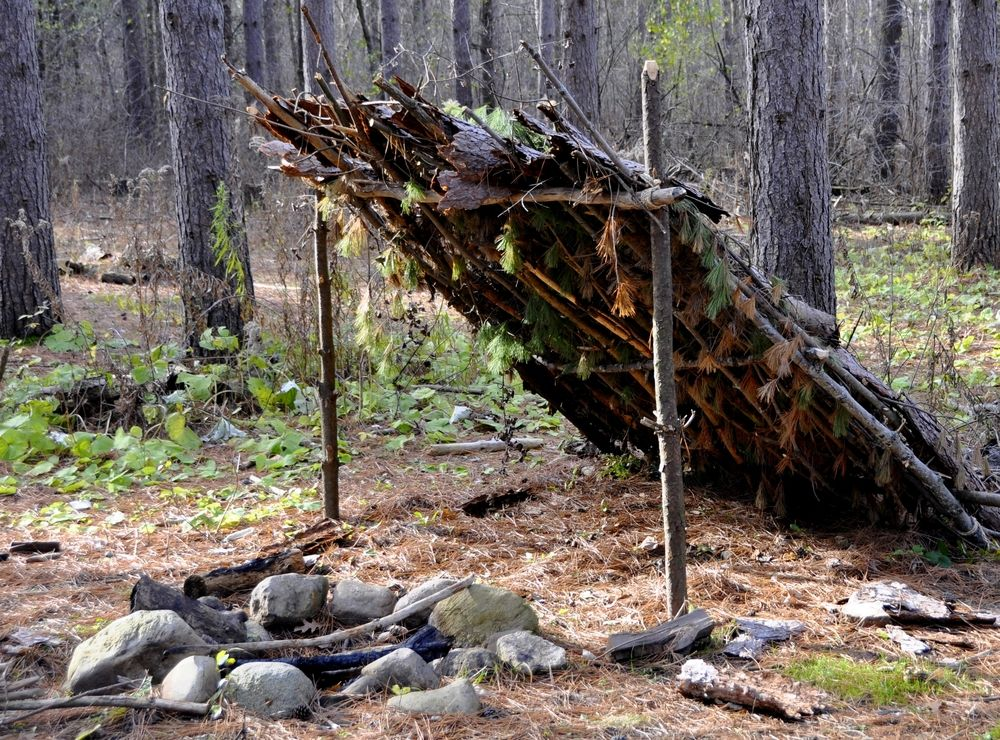 Lean-to Debris Survival Shelter
