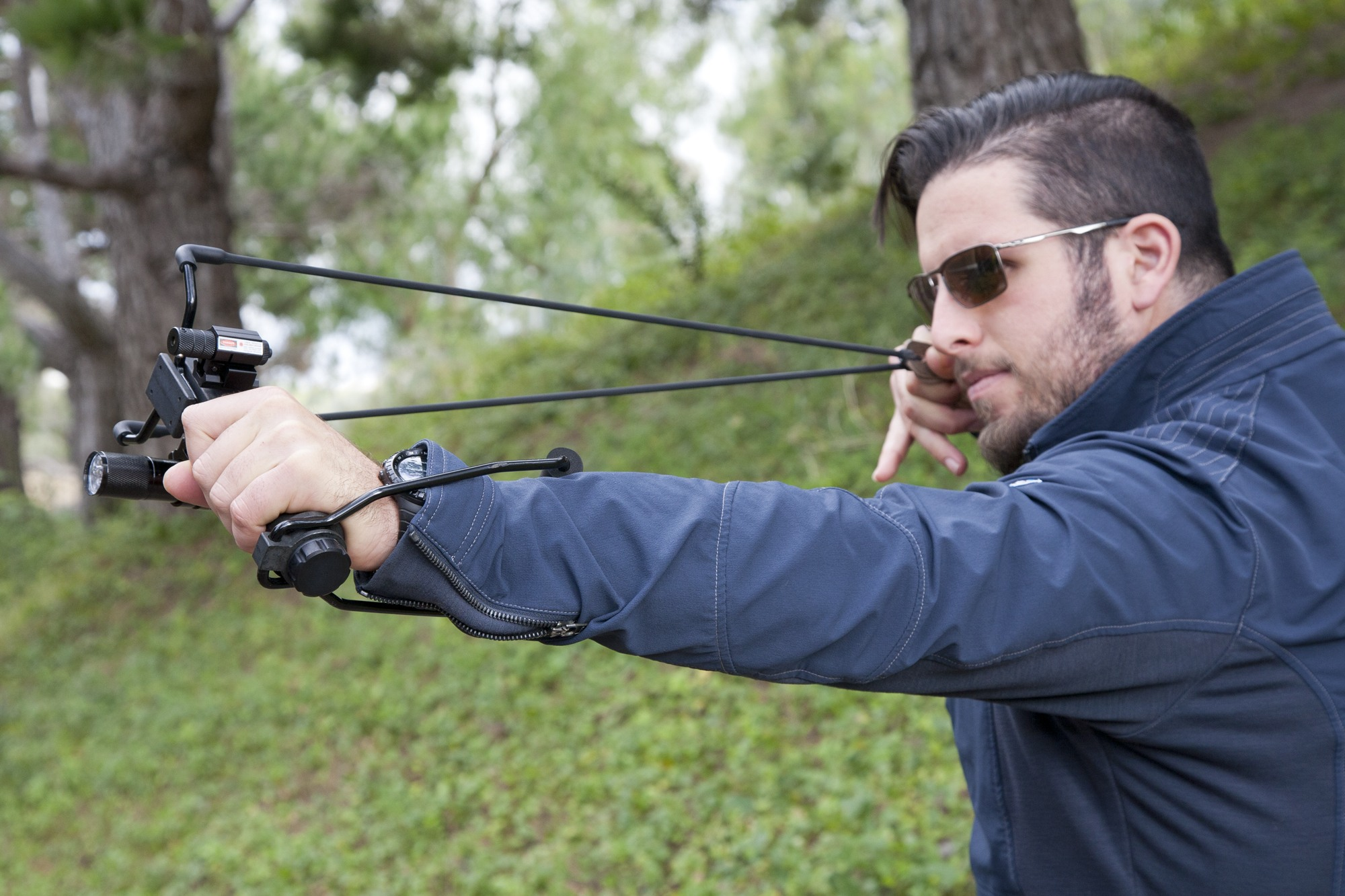 Learn How to Aim a Slingshot with This Quick Article